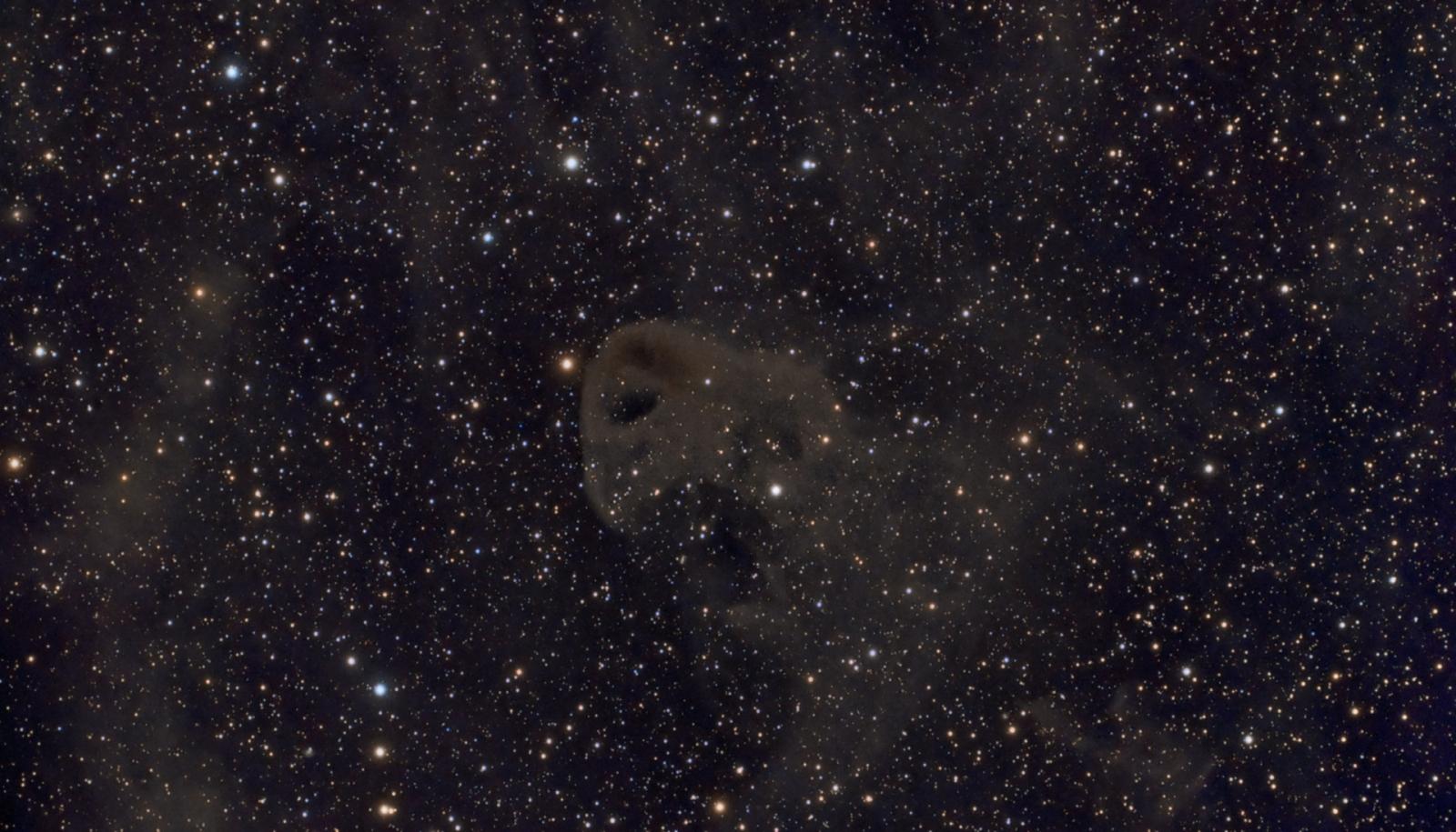 Ciemna Mgławica   LBN777