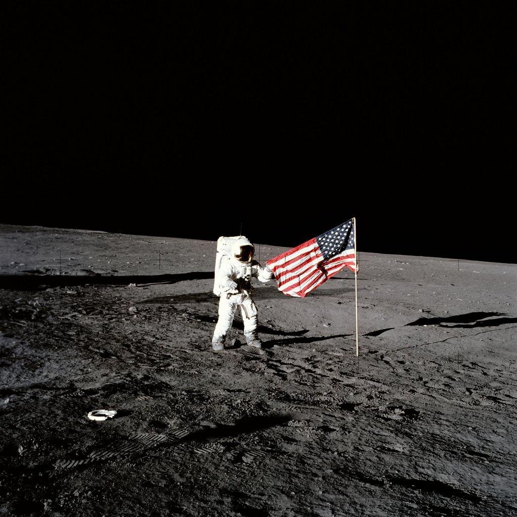 z24853254IH,Misja-Apollo-12.jpg