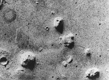 220px-Martian_face_viking.jpg