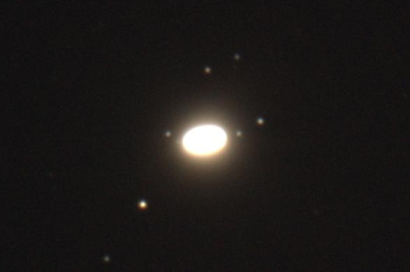 Saturn_księżyce_14_06_2017_blask.jpg