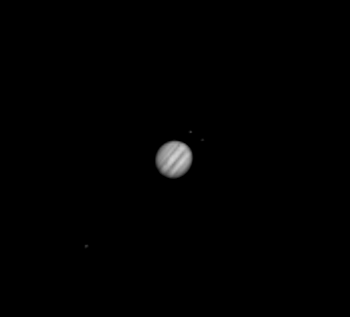 Ostatni Jowisz w 2017 roku z cieniem Io.png