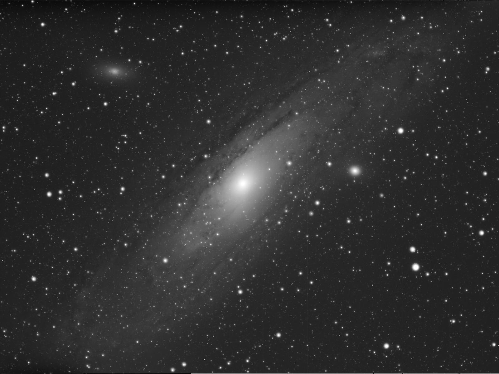 M31-Winter_bw.jpg.280967641eb34d381dafaf16e892edae.jpg