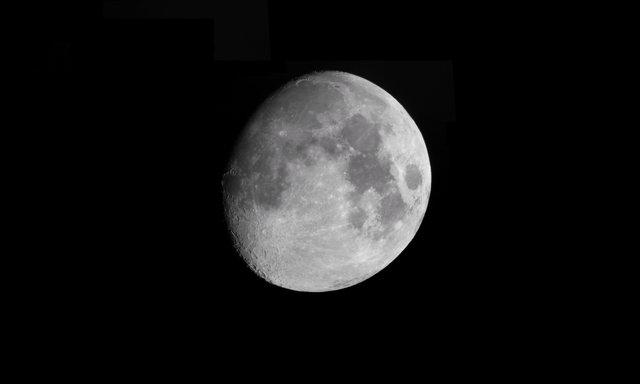 Księżyc 2.06.2017
