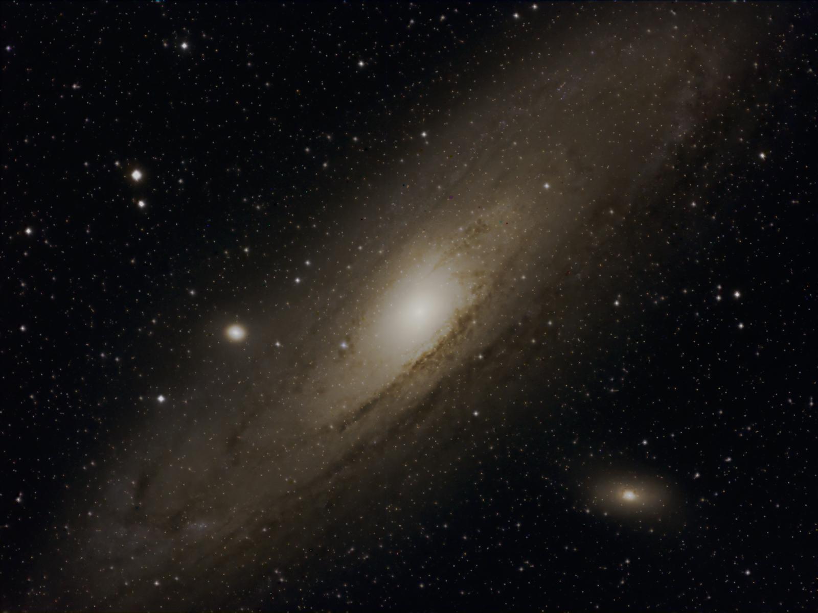 M31-2.jpg.9b9a8b250cb41d0ba56cb2312e45da2a.jpg
