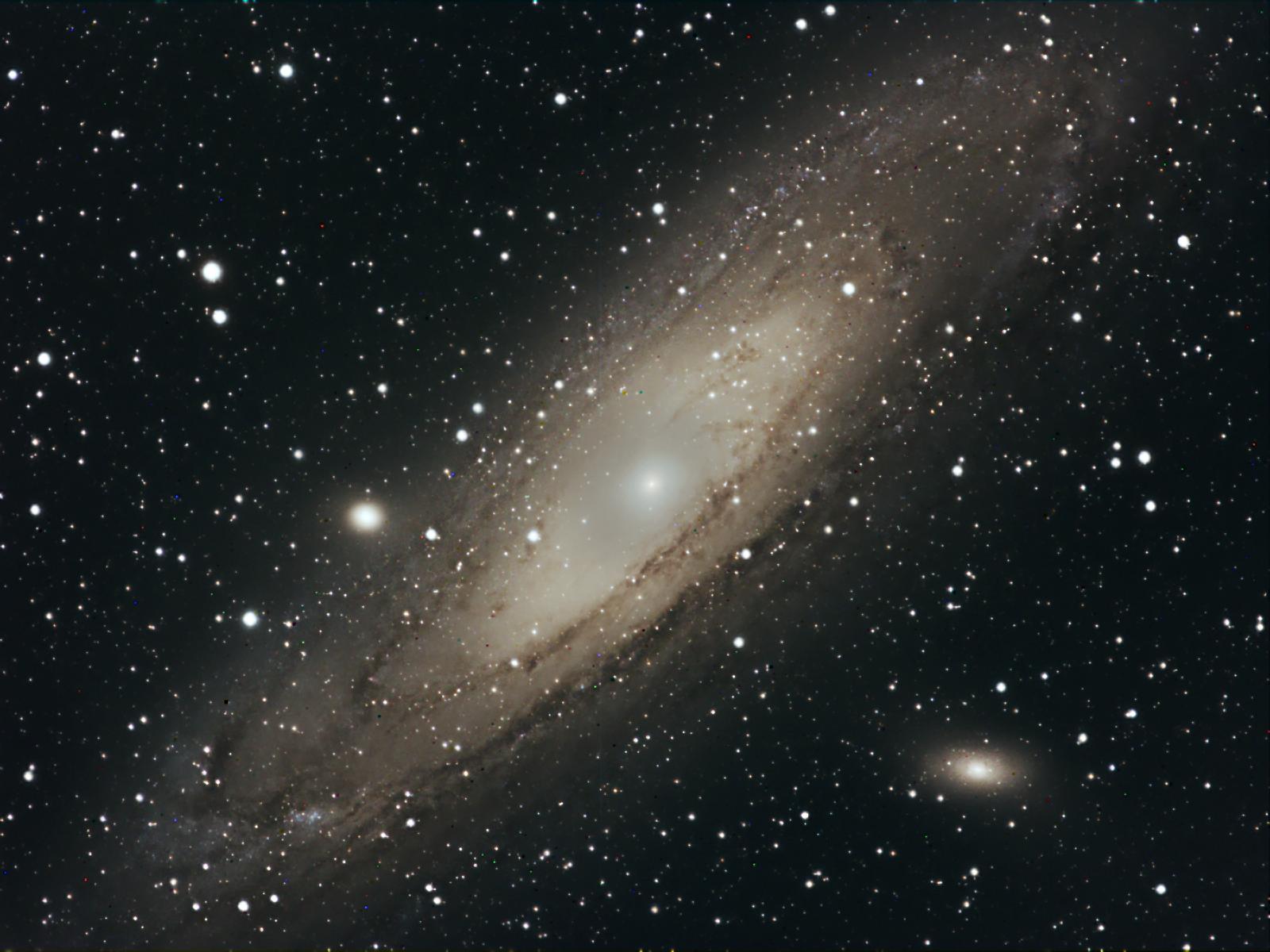 M31.png.230519a72a31ec49d0184bb5148573e2.png