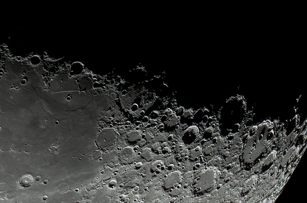 Moon_040111_Rupes_Recta.jpg