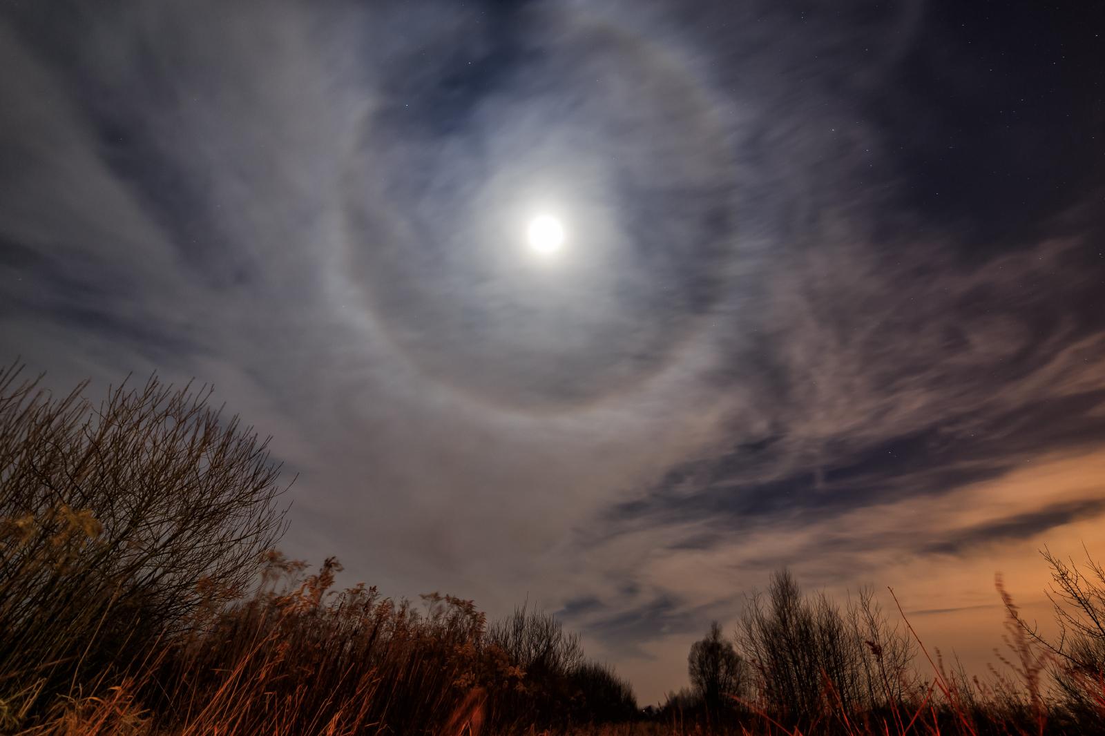 Moon+halo22.jpg