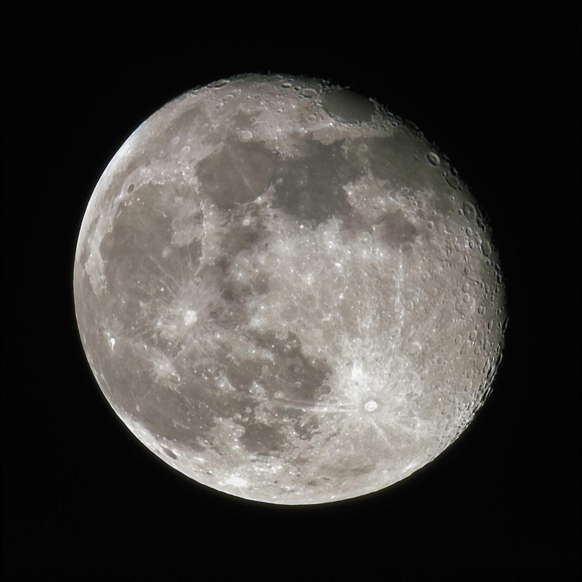 moon_tiff_lapl4_ap3373.jpg