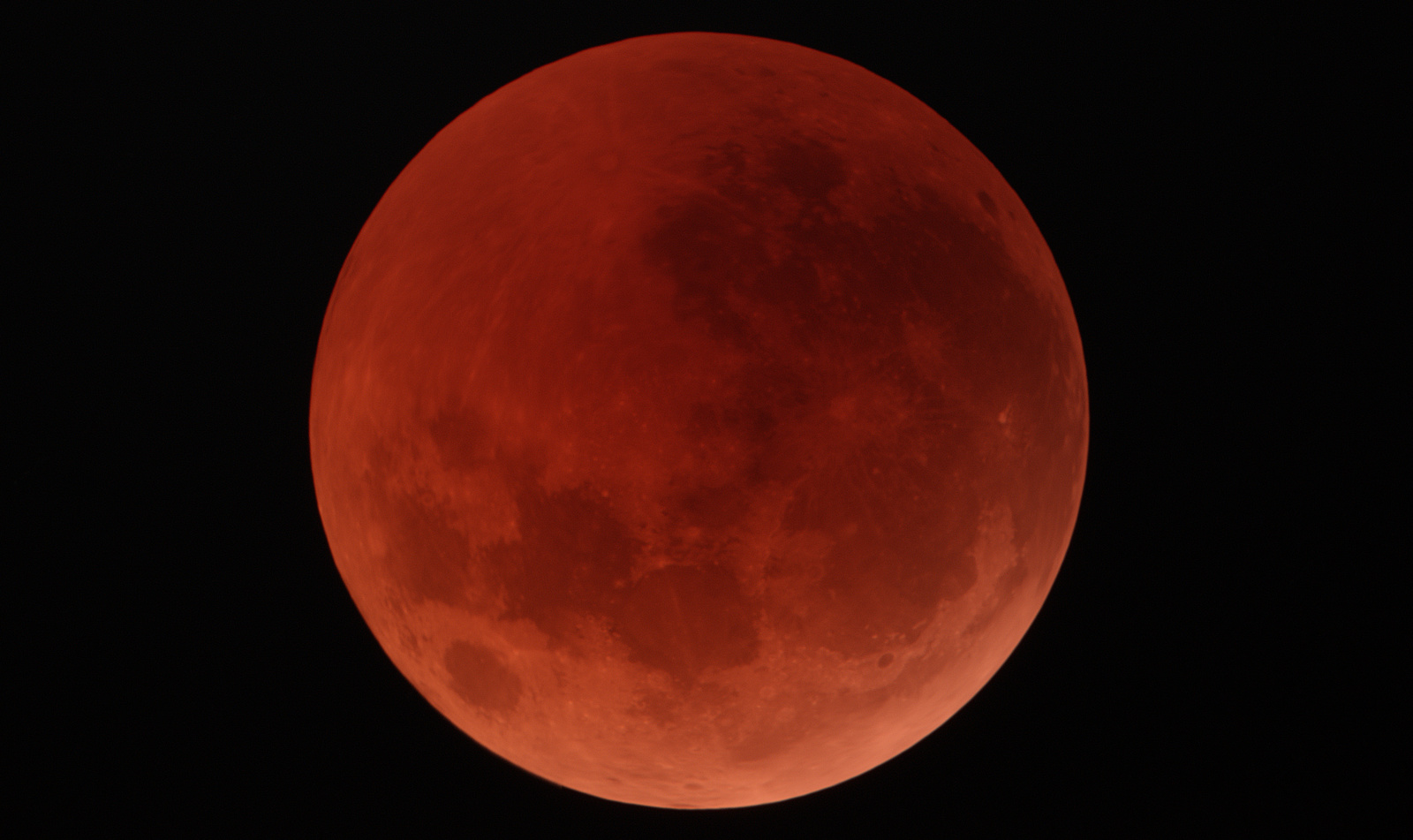 Moon-Eclipse-Wczesne_kadr2.thumb.jpg.e600a2c839a51c3a5fab1b229fba82ea.jpg