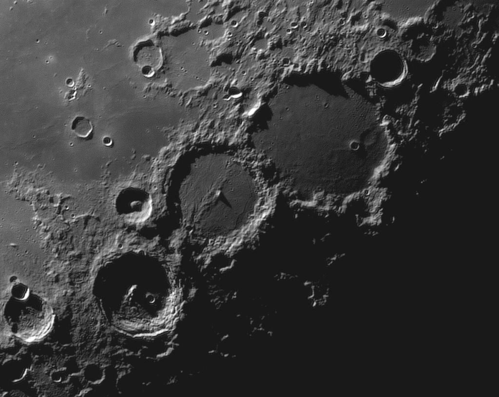 31782101_PtolemaeusAlphonsusArzachel_Barlow3x4_08.2018r_04.34_TS152F2850_ASI120M_H-alpha35nm_90....jpg.43646a57bc48cfc1e15f710f2113b761.jpg
