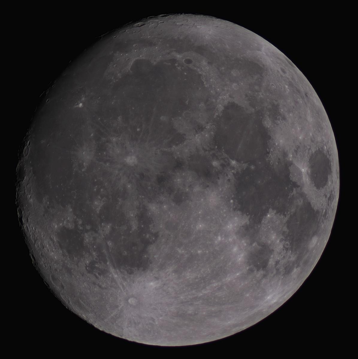 Księżyc 10-22 - wiek 12,9 dnia-96,1%.jpg