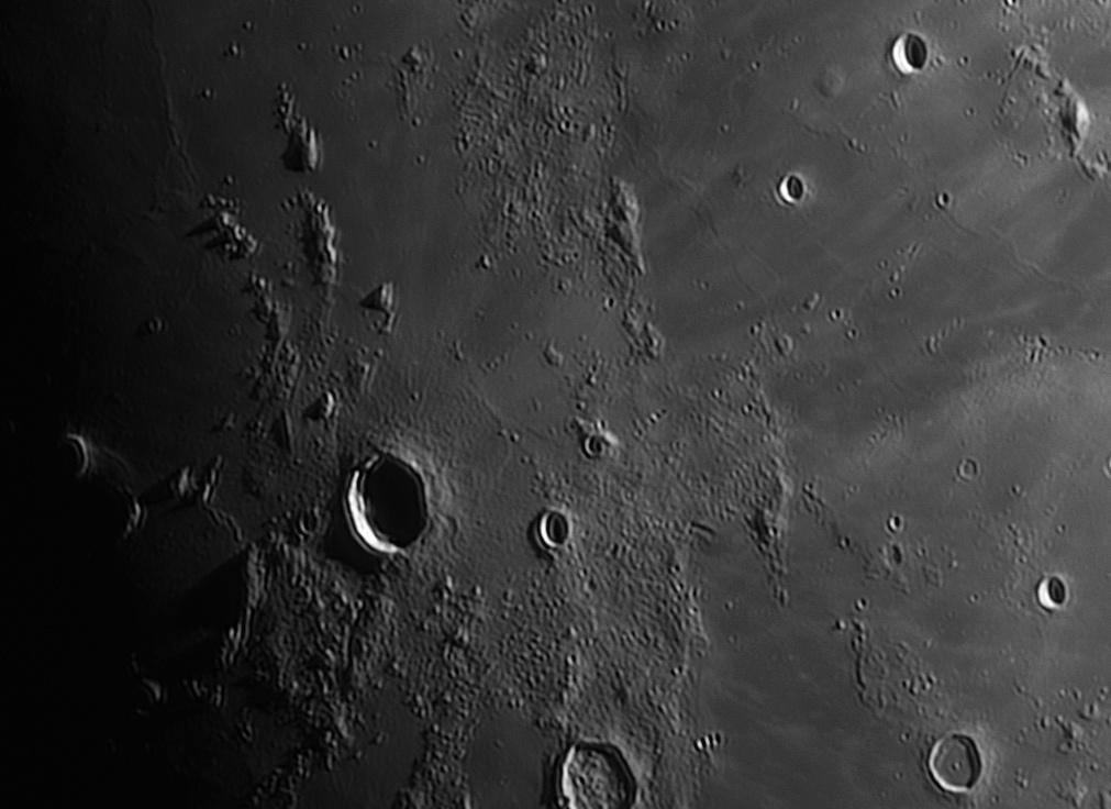 _moon_2019_04_15_ci_2.jpg.25b54af84f81e2b2f53b93e71ae47fc9.jpg