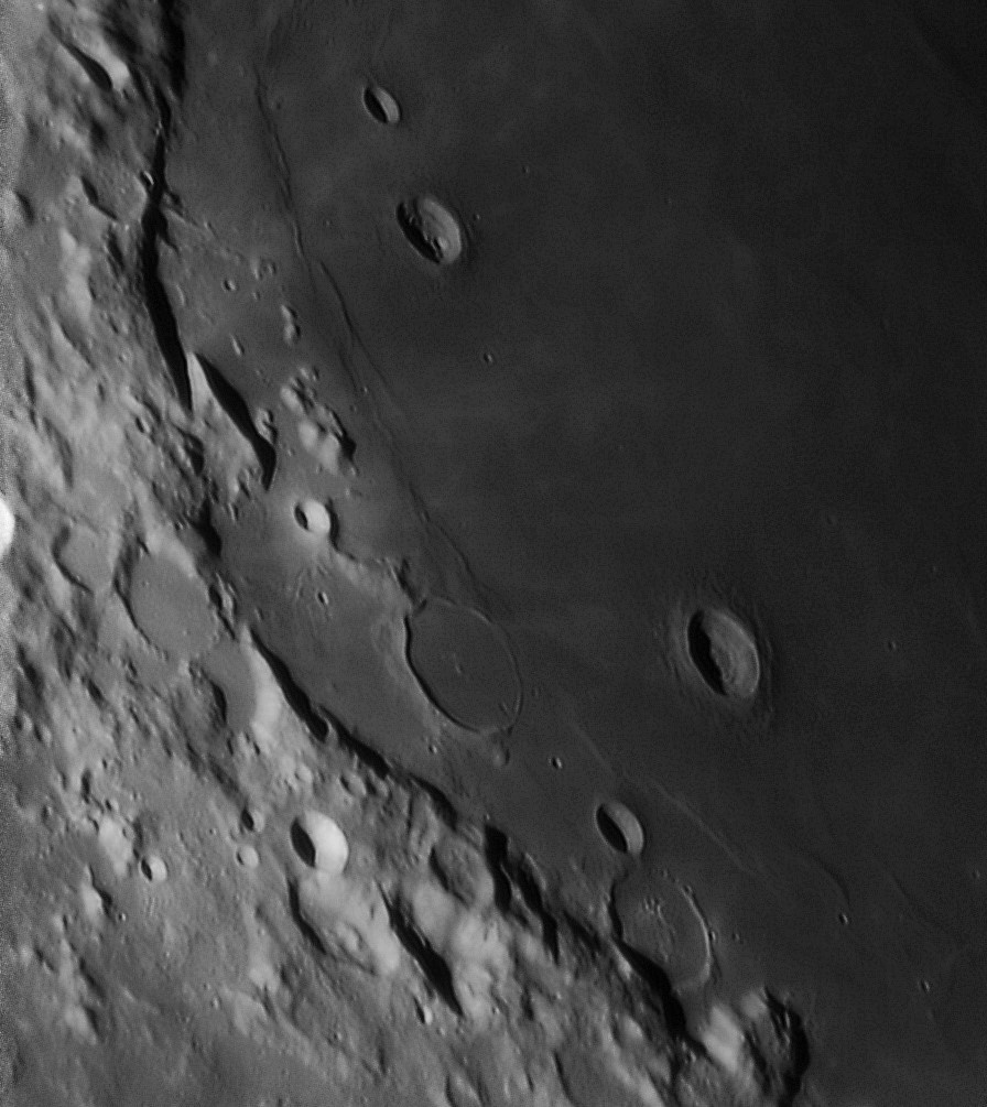 Mare Crisium 20190323_020128 Y800_g5_ap126_conv sharp 20 pop.jpg