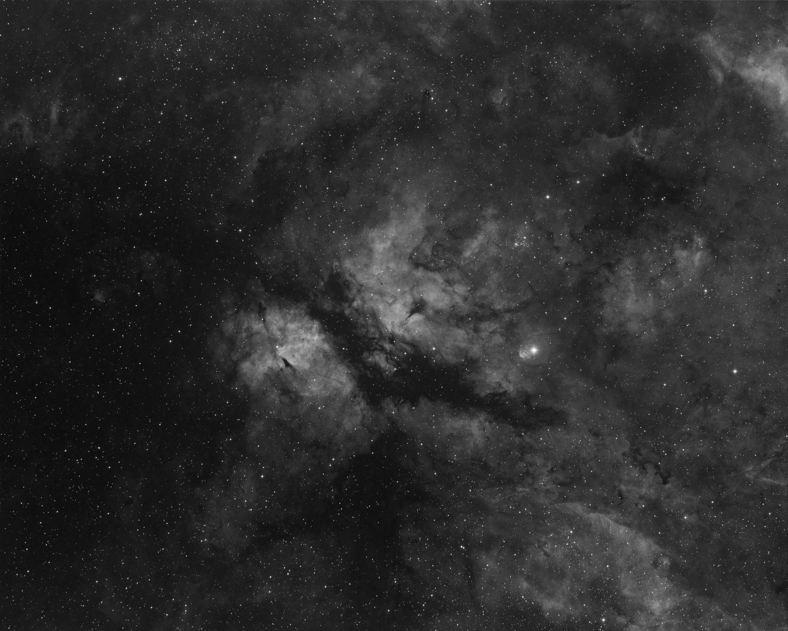 IC1318.thumb.jpg.007795a8de5c8976b0da8eb23839259f.jpg