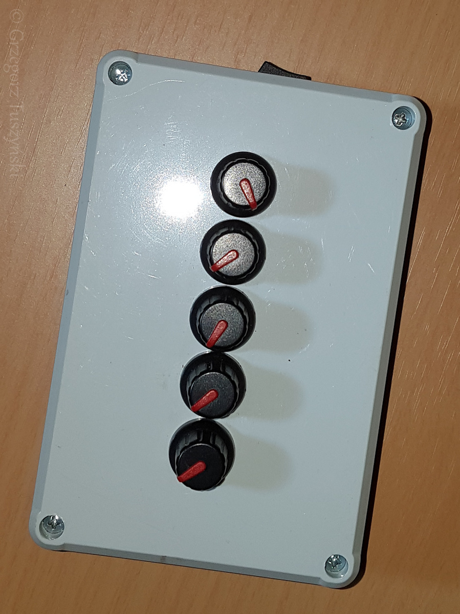 kontroler1.jpg