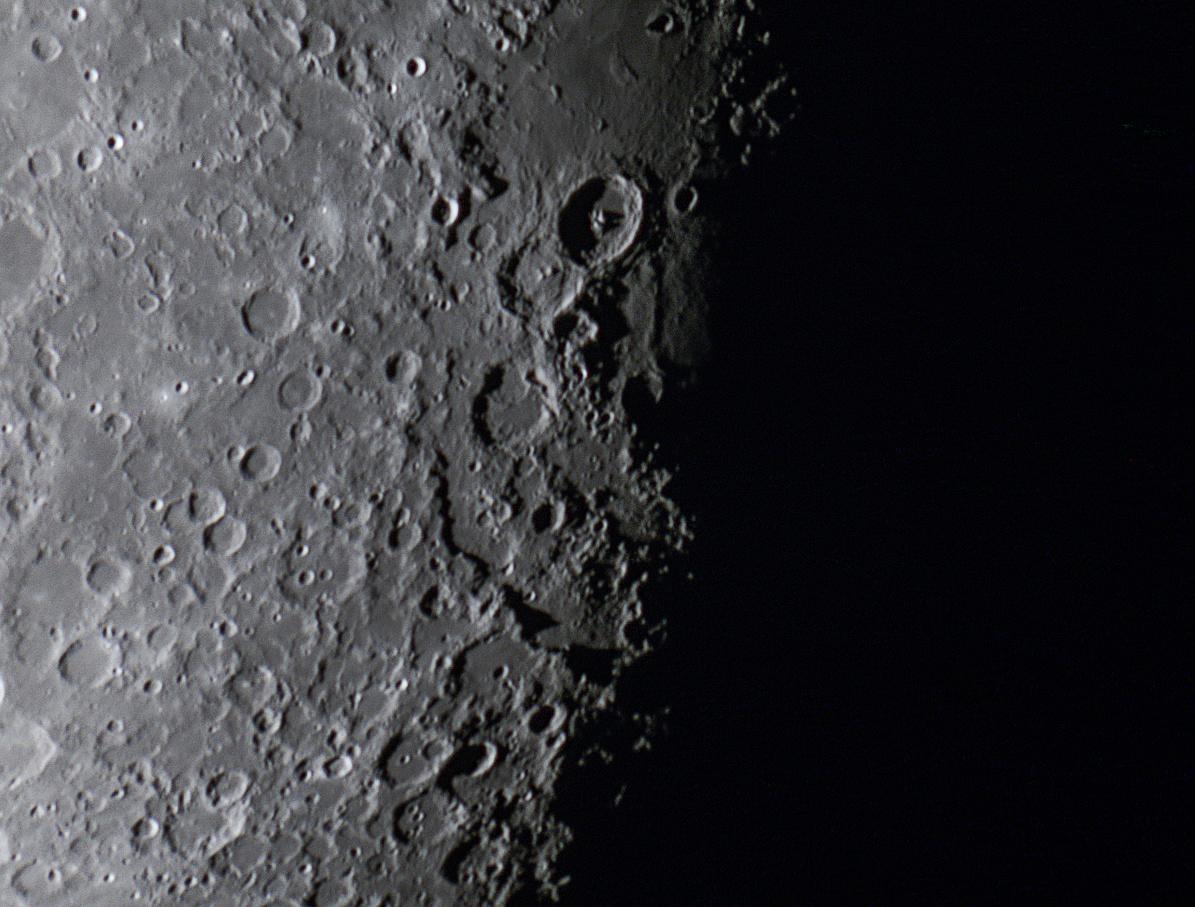 Moon143.jpg