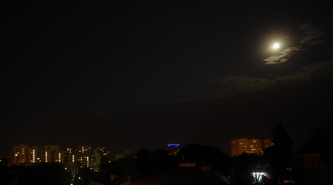 Moon_IMGP2099.jpg.2fe331fd4e2a65ff63fc3f2aa1b000bd.jpg