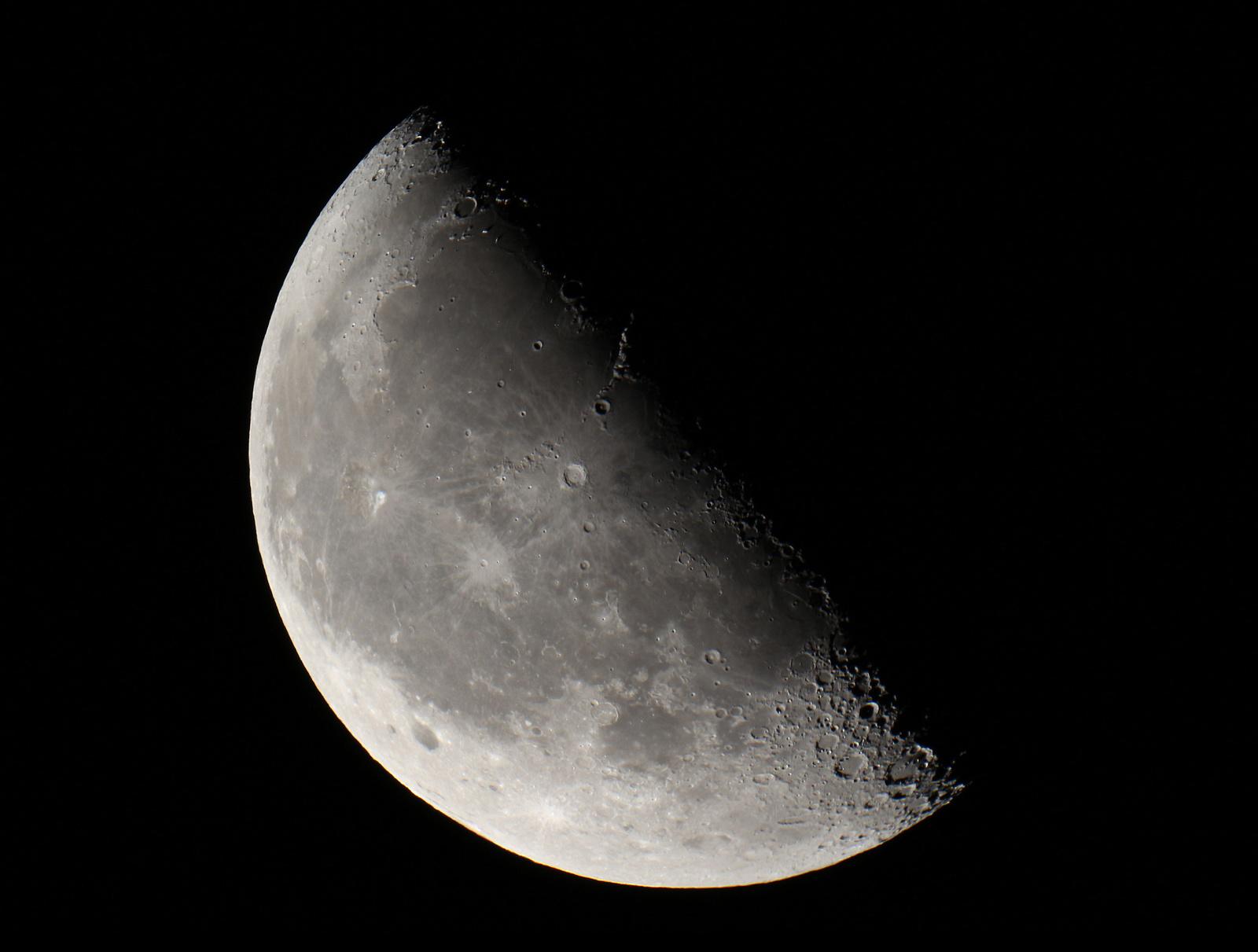 moon-22-09-small.jpg