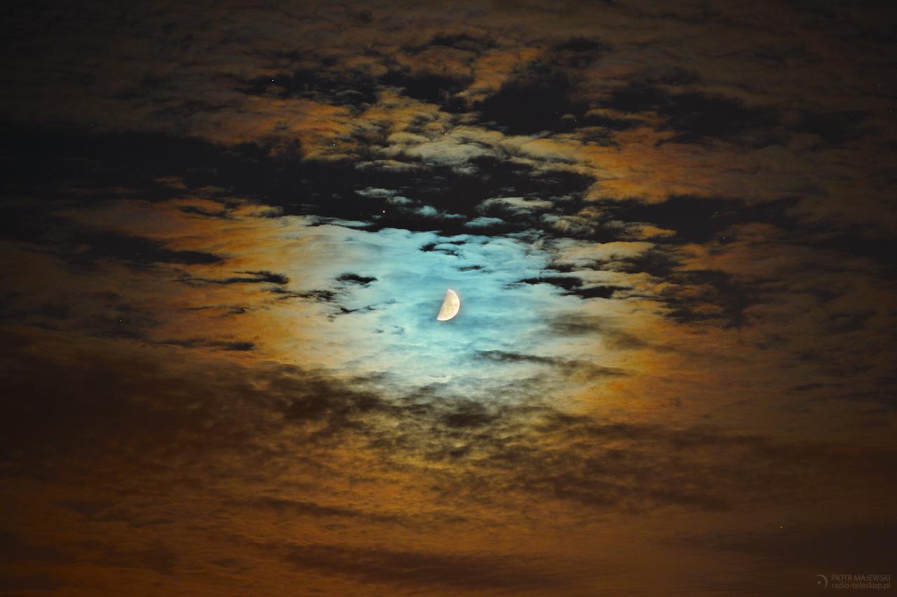 2019-10-05_Moon-Saturn_corona_web.jpg