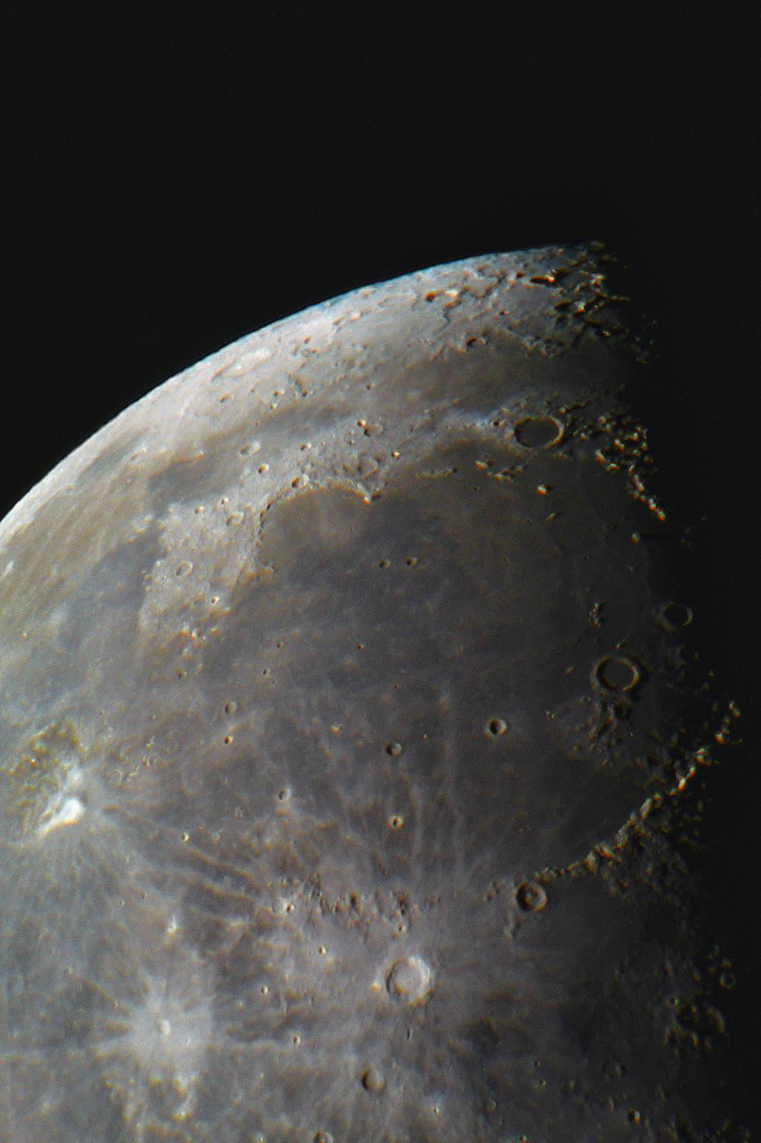 moon.thumb.jpg.d127d7e18849015a6592166492fbcb60.jpg