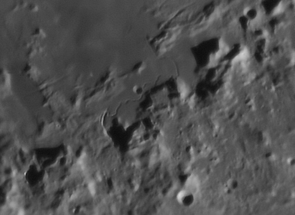 Moon_180230_g4_ap306_conv pop.jpg