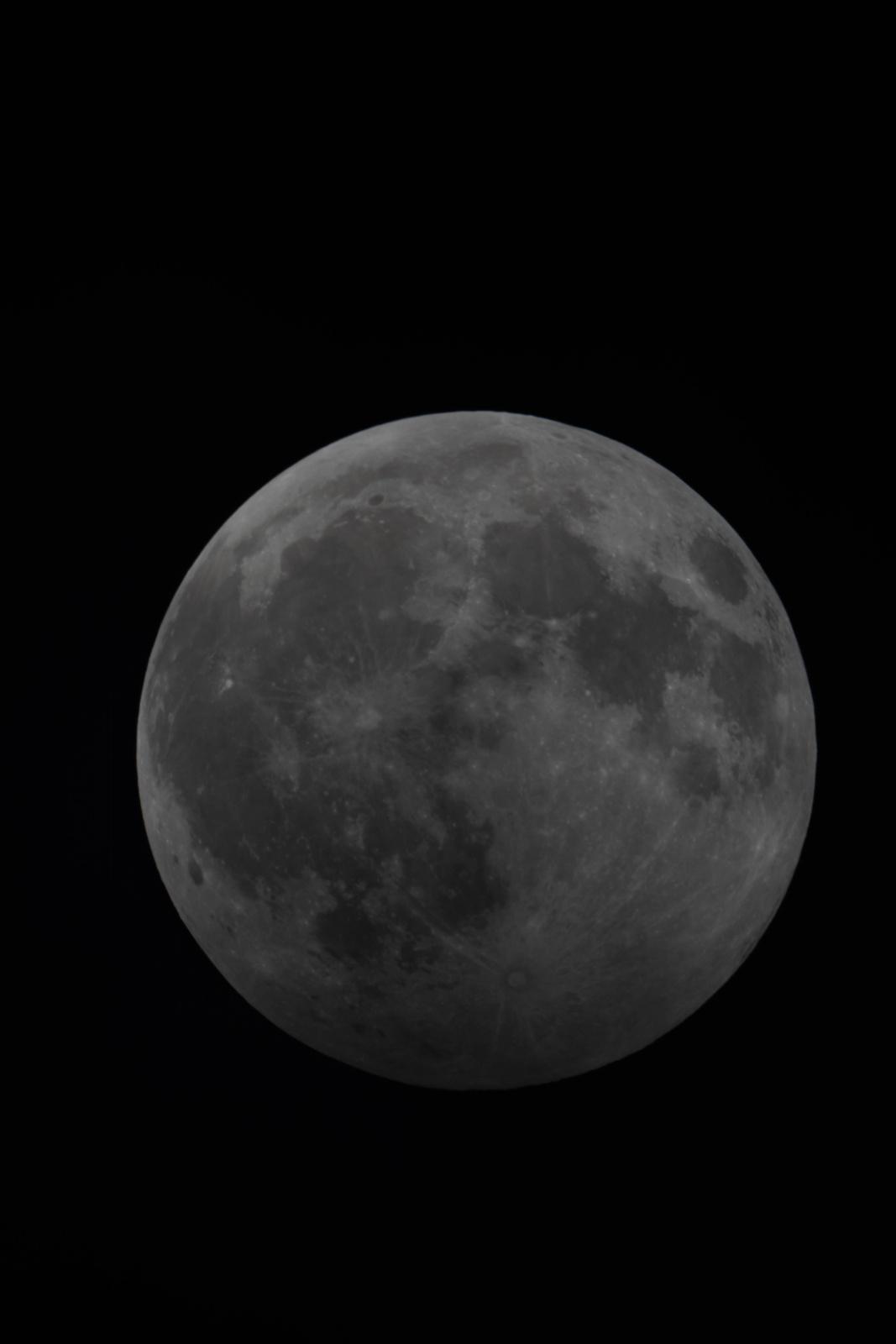 Półcieniowe zaćmienie Księżyca 10.01.2020 (2 z 1).jpg