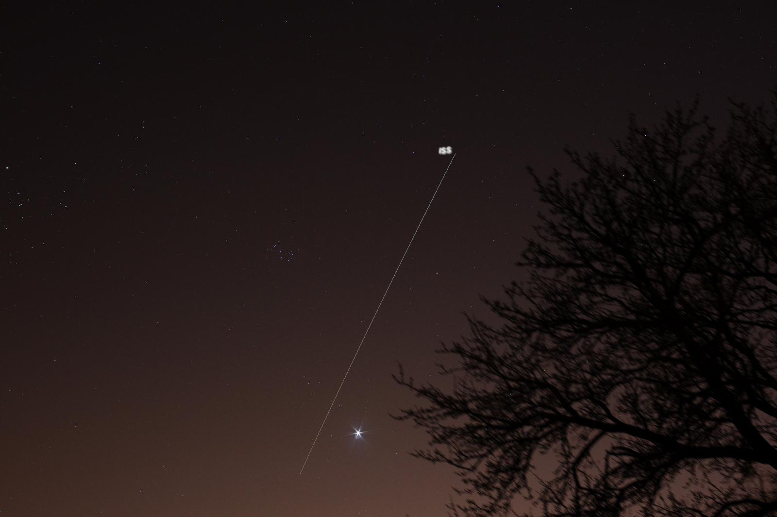 Wenus , Plejady oraz ISS.jpg