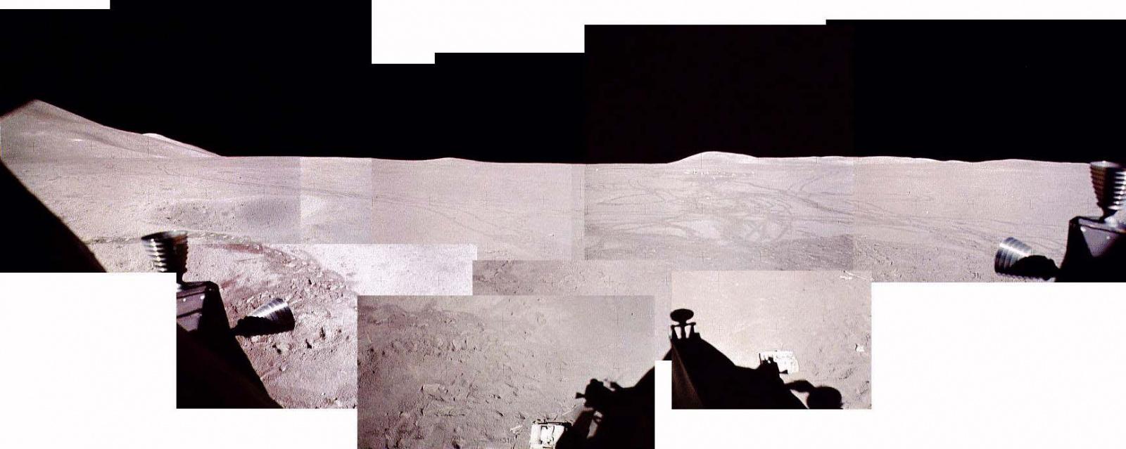 Apollo_15_Composite_window_pan.jpg