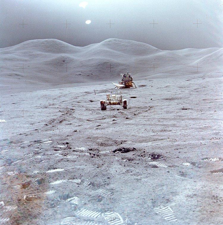 Apollo_15_LM_LRV_Swann_Hills.jpg