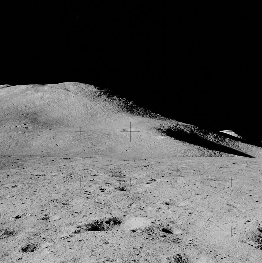 Apollo_15_Mt._Hadley_Delta.jpg