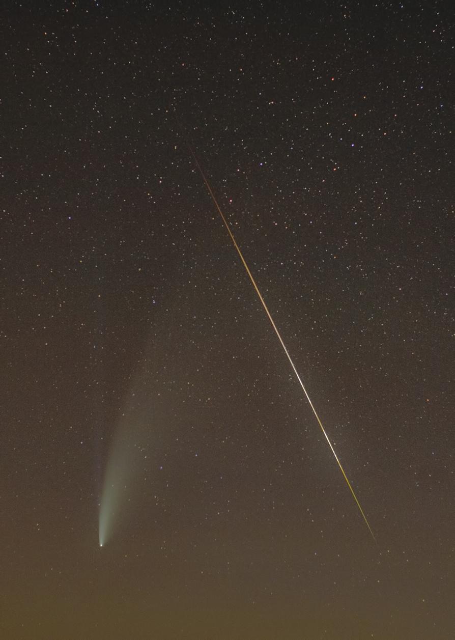 Comet_Neowise_2020-07-15_02-03_meteor.jpg.c44d0ff61660064f4a350a810f8b2187.jpg