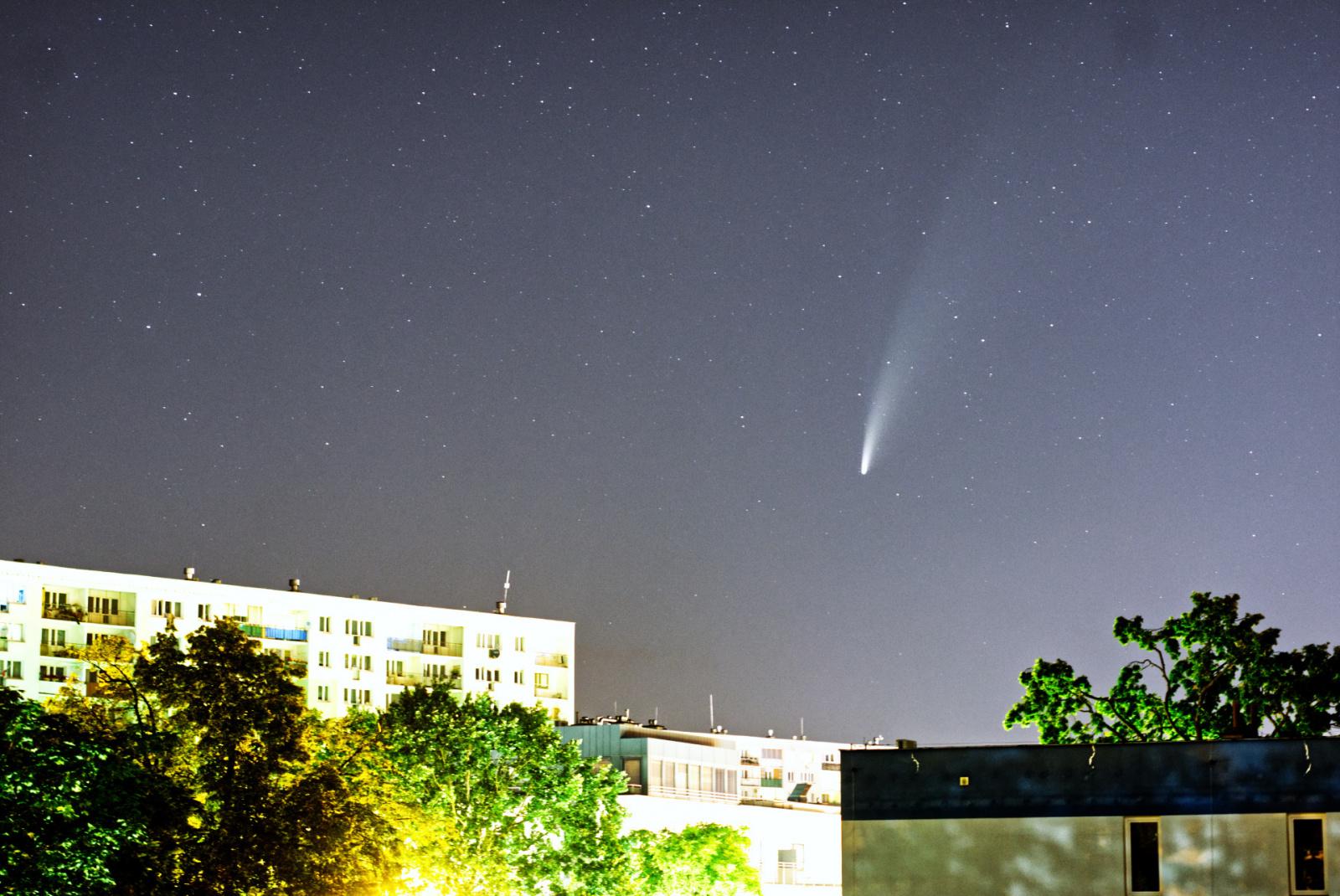 LC_NEOWISE1.thumb.jpg.042f28698c2e93f4ee67907b84e4c146.jpg