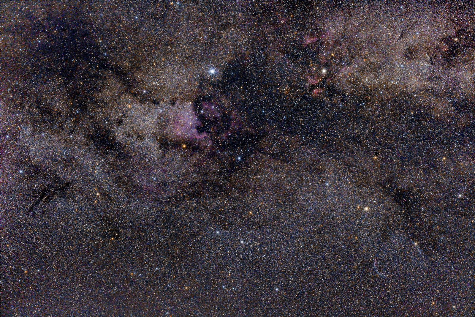 cygnus4_PIX.thumb.jpg.81a8b752eee9501af02c68b21ec8b6a7.jpg