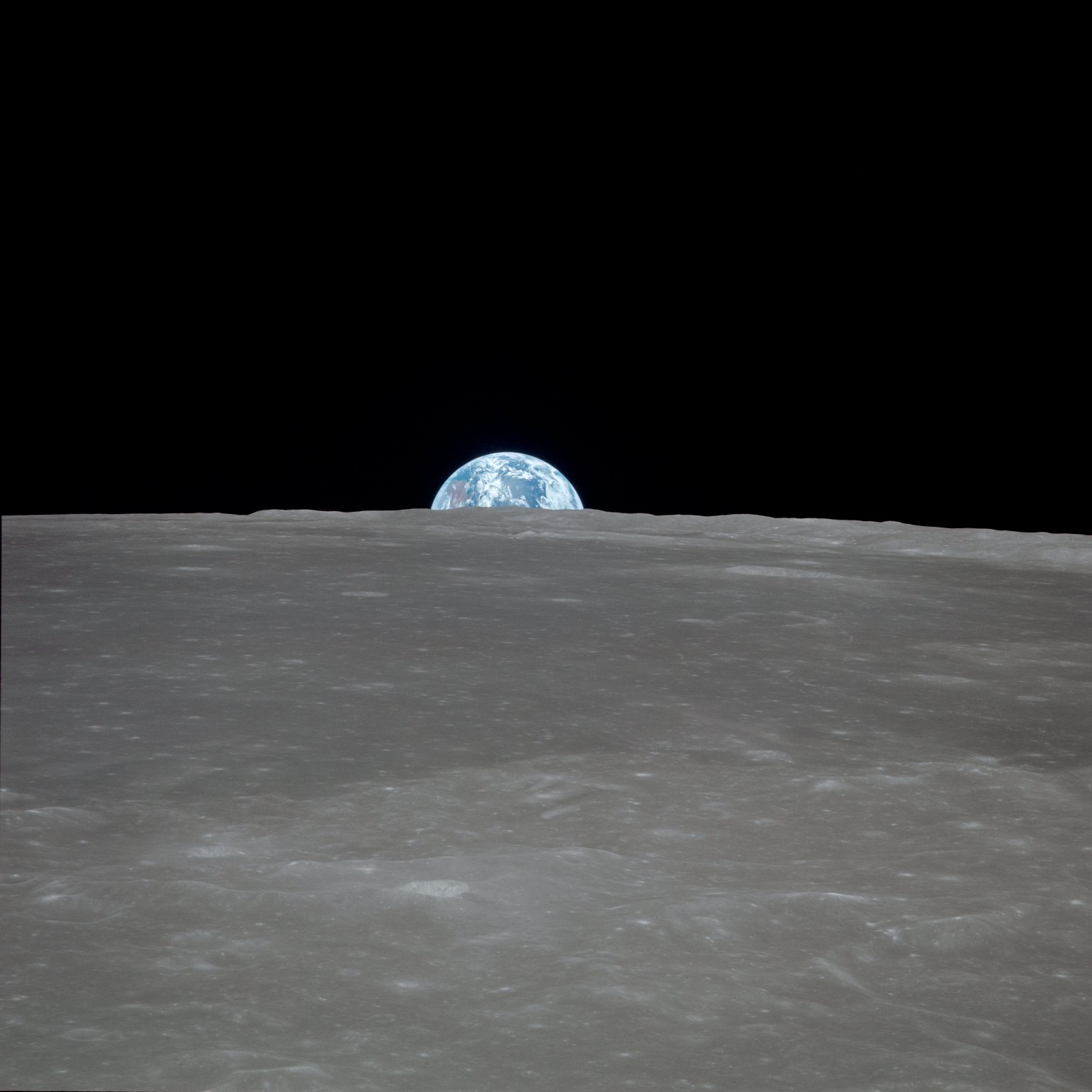 1465783930_Apollo_11_Mission_Image_-_View_of_moon_limb_with_Earth_on_the_horizon_Mare_Smythii_Region_(5052744654).jpg.9ed6033c2ee44081882baf72ba6ce6c4.jpg