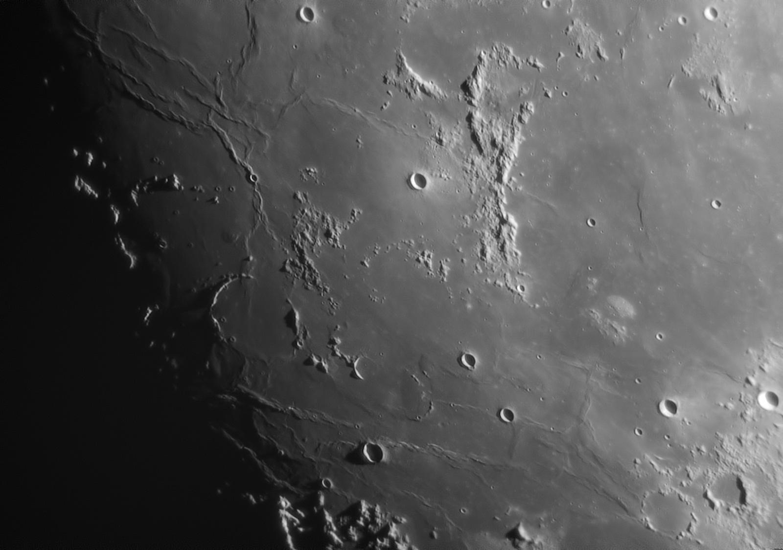moon1.thumb.jpg.dd267d8cc096e58d28e8d1f3751b8ef0.jpg