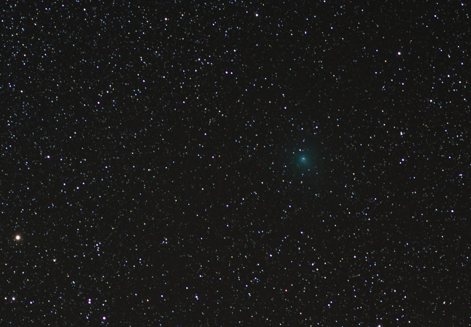 Kometa C2020 M3 Atlas 26XI2020 stack gwiazdowy.jpg