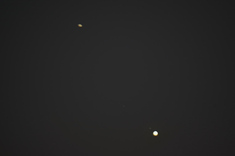 Jowisz_Saturn_500x_2020_12_18.jpg