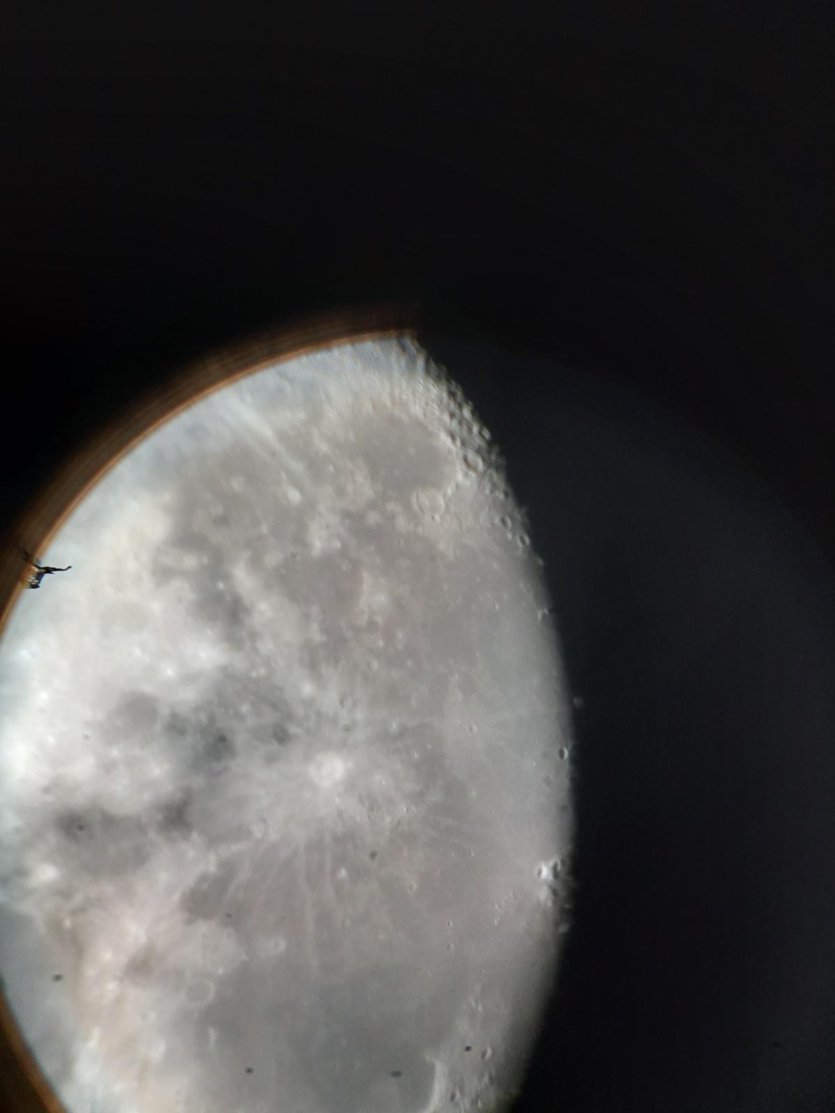 44139298_20201226_moon33x.jpg