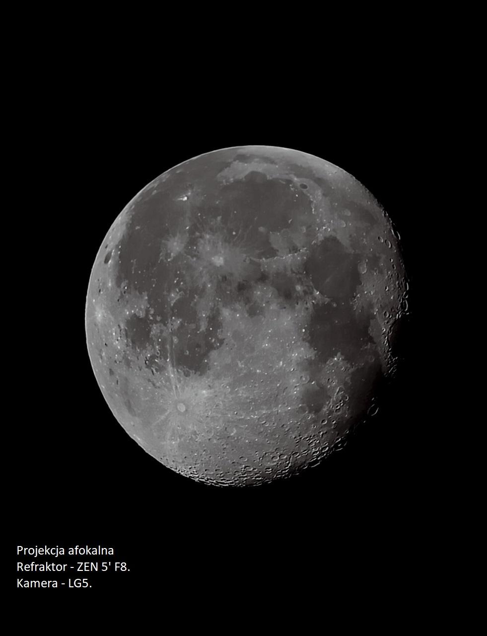 Moon_2.jpg.7113c31f24d1b7326c620968772506f7.jpg
