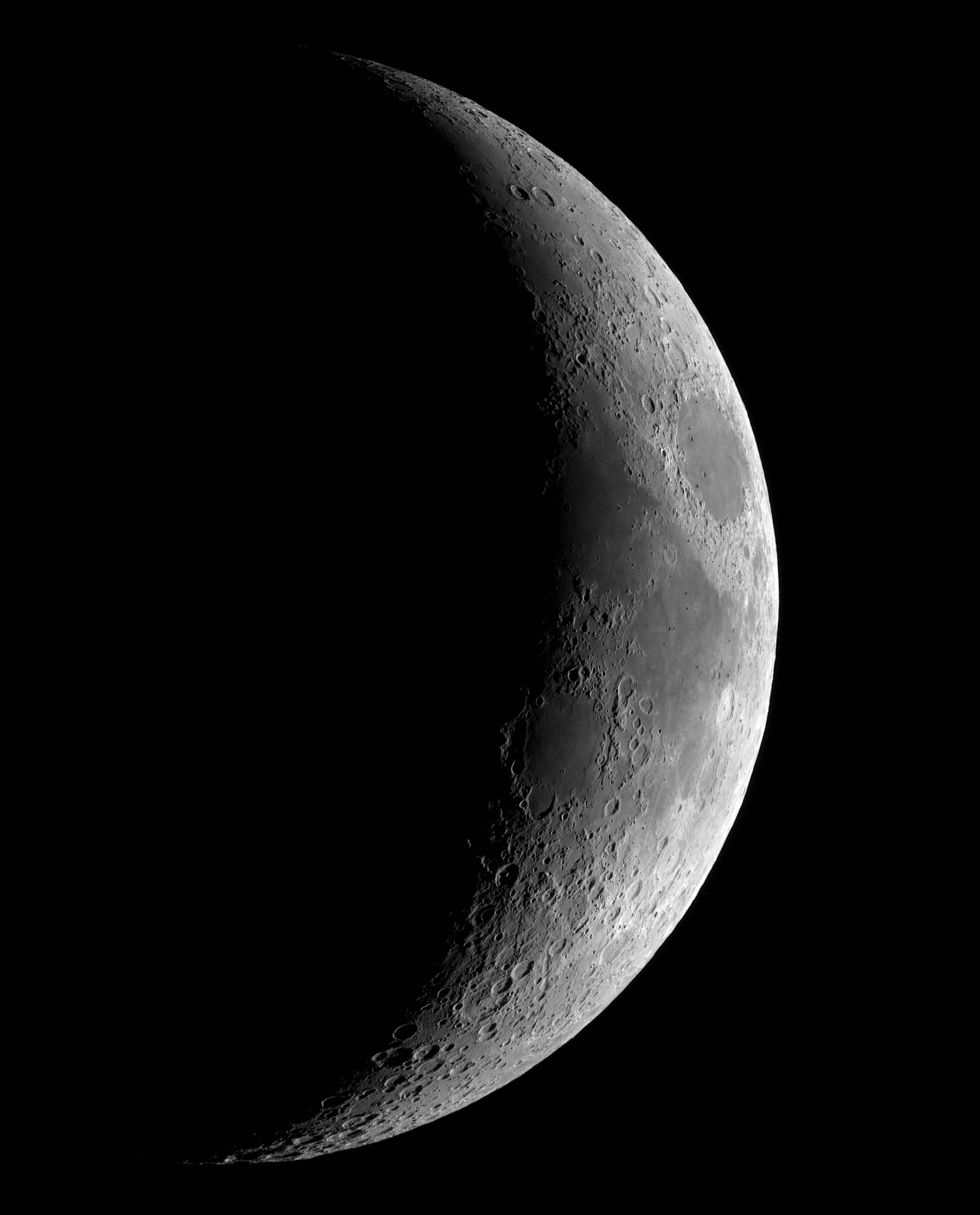 Księżyc 5d  16.05.2021r_21.00_TS152F900_ASI290MM_Omegon Halpha 12nm_Mozaika105%....jpg