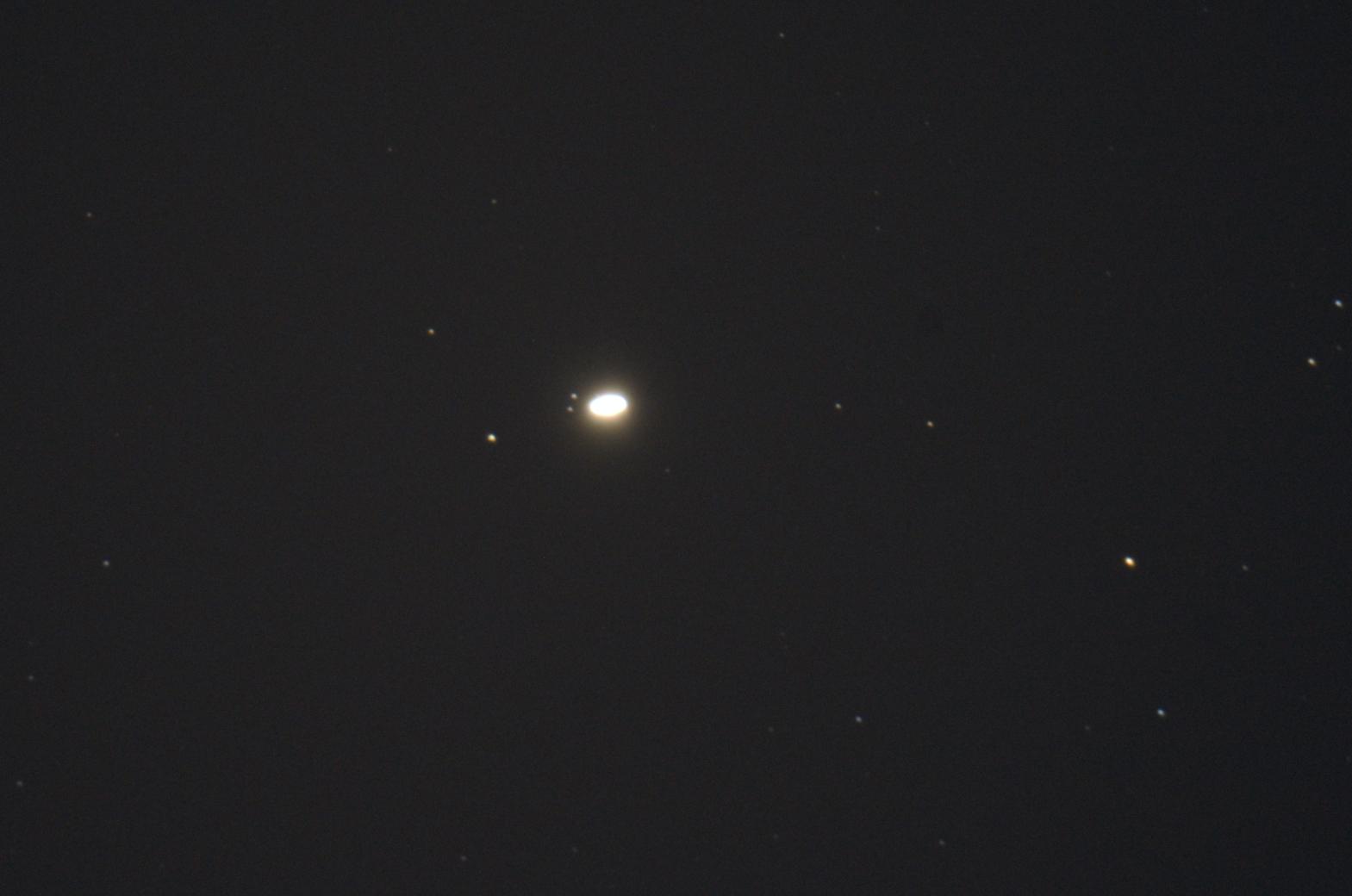 Saturn_ksiezyce_2021_09_08_0.jpg