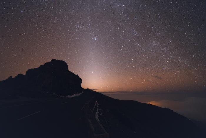 zodiacal_light_1.jpg