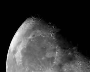 Moon_20130925_023506a.jpg