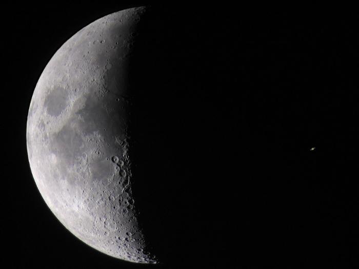 Projekcja_moon_saturn.jpg