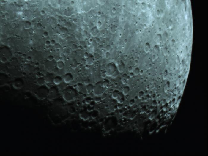 Moon_210953.jpg