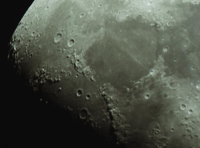 Moon_212121.jpg