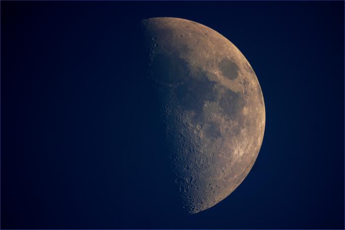 za dnia moon v3.png